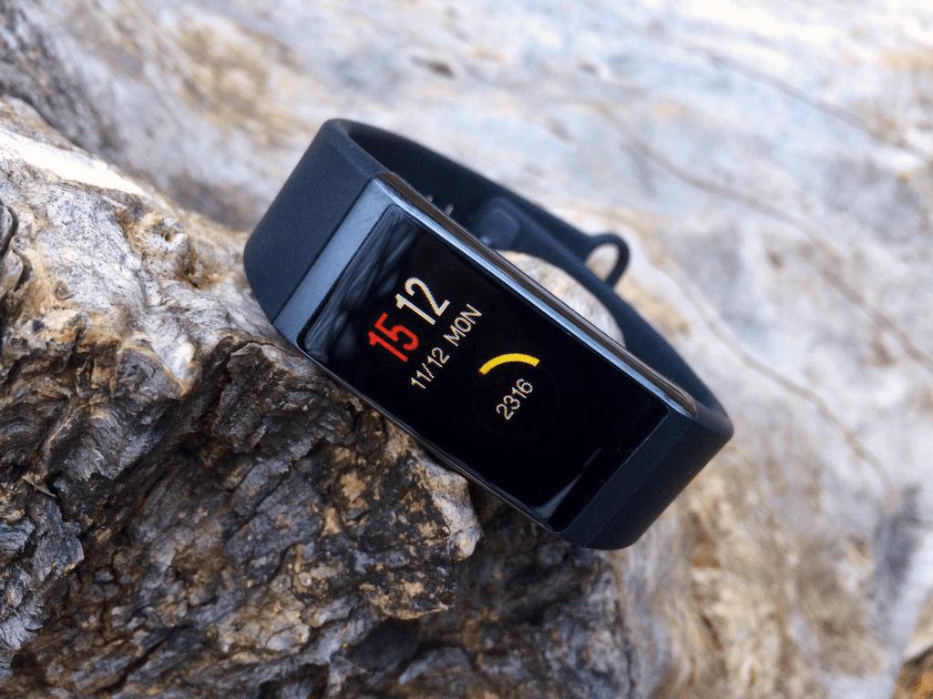 Фитнес-браслет Amazfit COR – харизматичный, но не для бегунов?